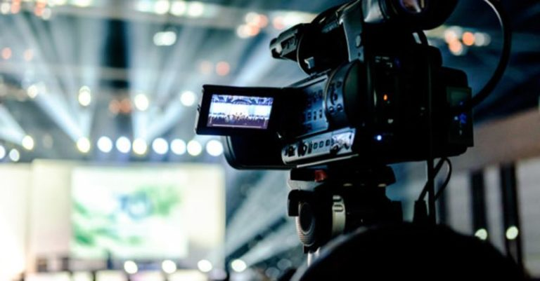 How Live Streaming Your Next Gig Can Do Miracles for Music Career